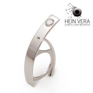 Ring in wit goud met diamant van de klant.