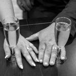 Trouwringen gemaakt door Hein Vera met vingerafdruk en morse