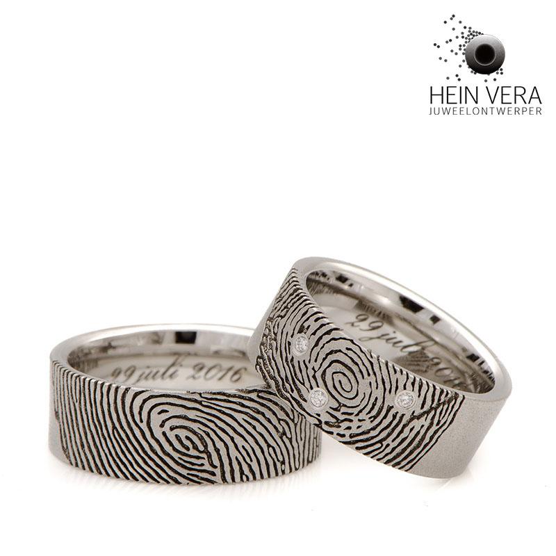 Trouwringen in cobalt-chrome met diamantjes door Hein Vera