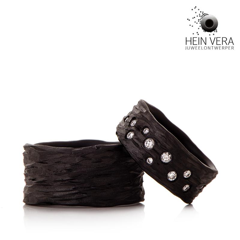 Zwarte trouwringen in zirkonium met diamantjes HeinVera