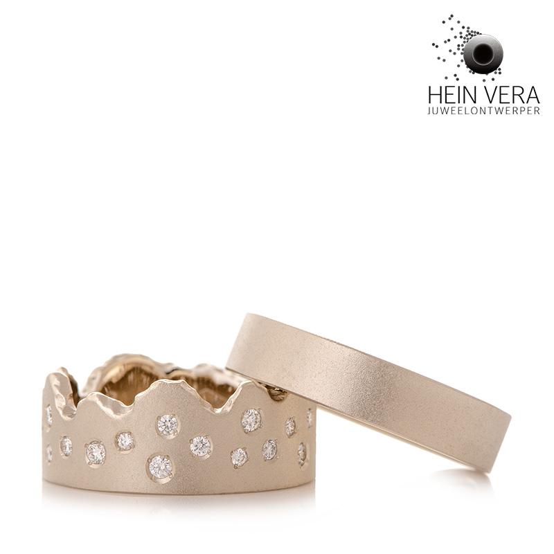 trouwringen in wit goud met diamantjes