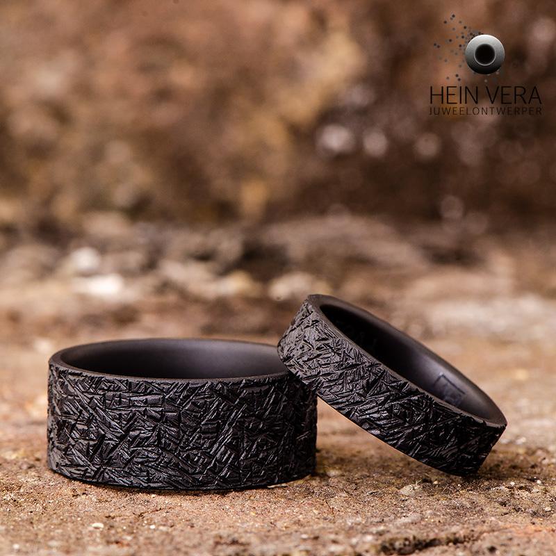 Zwarte trouwringen in zirkonium_heinvera