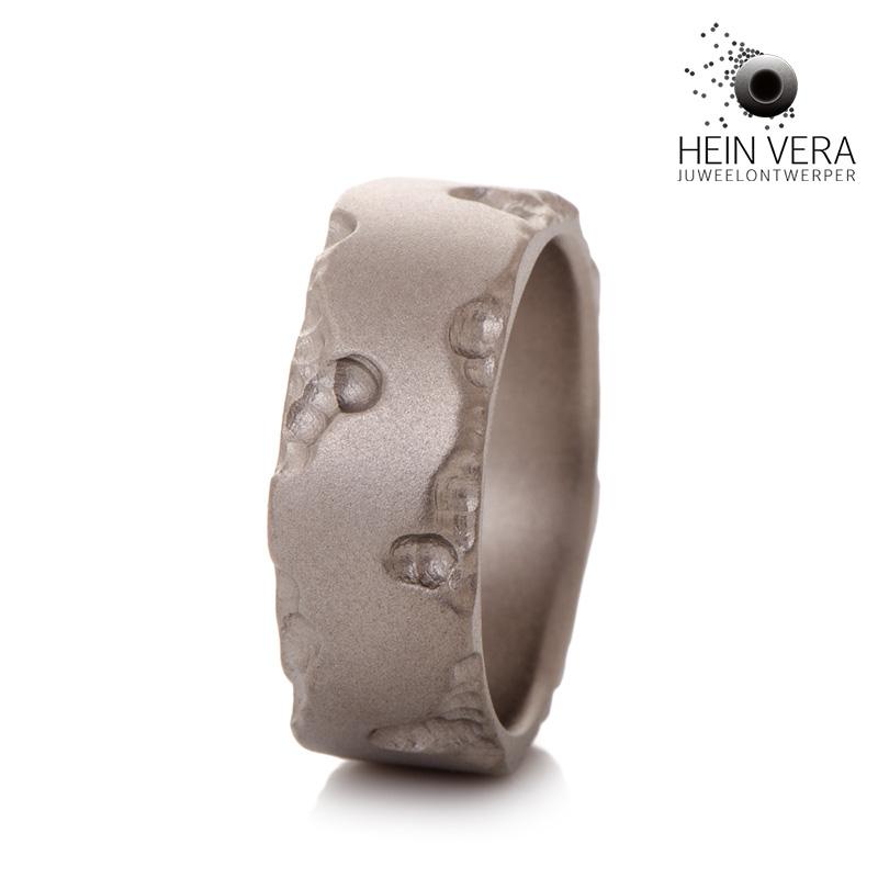 Brute ring in titanium_HeinVera