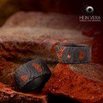 Zwarte trouwringen in zirkonium met baksteen en diamantje_heinvera