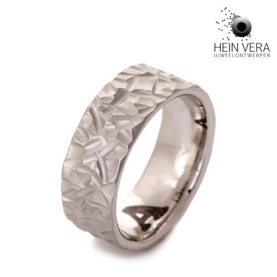ring-in-cobalt-chrome-met-as-van-overleden-dierbare_3a_heinvera