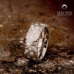 Brute titanium ring met diamantjes