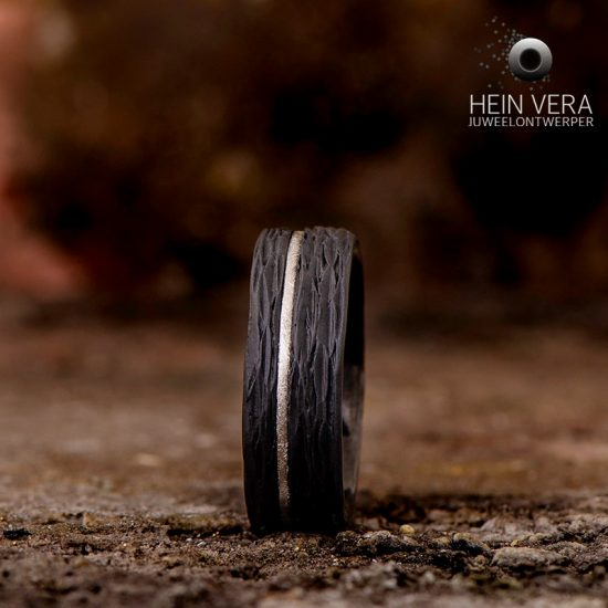 ring-in-zwart-zirkonium-met-platina_heinvera