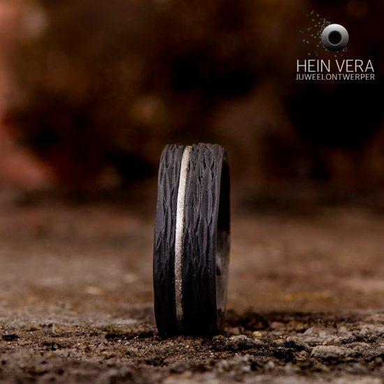 Ring in zwart zirkonium met platina_heinvera