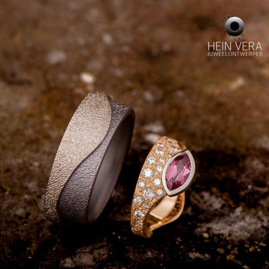 Trouwringen in goud, platina en tantaal met diamantjes en rhodolite_heinvera