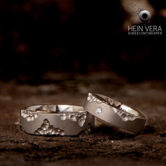 Trouwringen in titanium met diamantje_heinvera