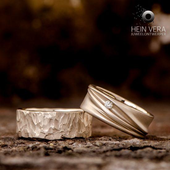 Trouwringen in wit goud met diamantje_HeinVera
