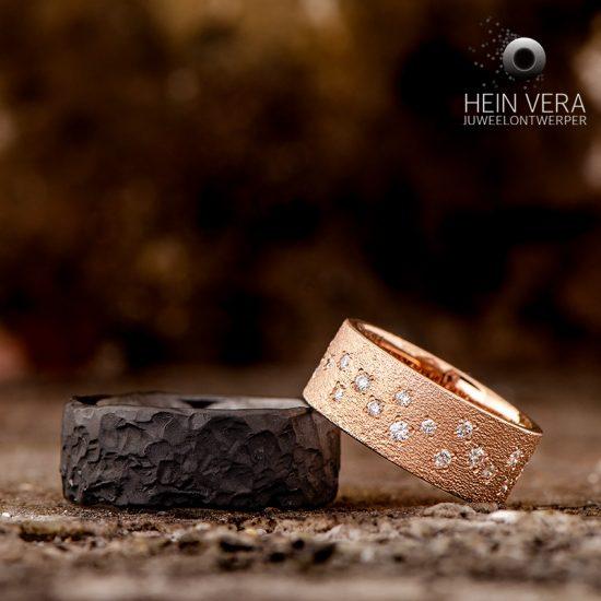 Trouwringen in zwart zirkonium en roze goud met diamantjes_heinvera
