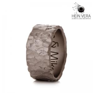 Brute ring in titanium HeinVera